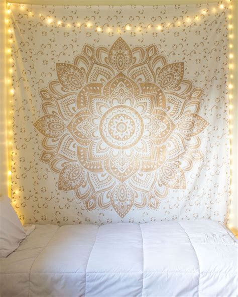tapestry with lights behind 17 best ideas about tapestry bedroom on pinterest