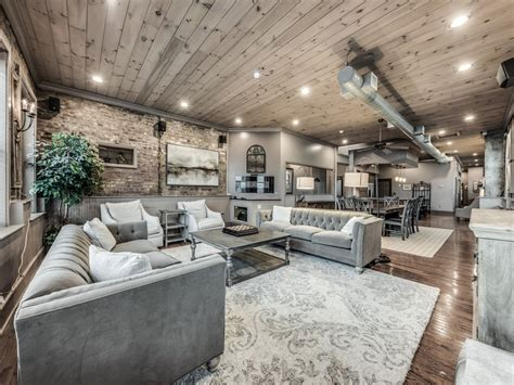 cook loft  sq ft luxury downtown condo downtown