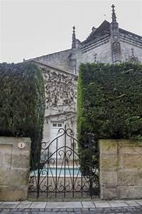 Vermieter Garten Betreten : betreten sie den mittelalterlichen garten stockbild bild ~ Lizthompson.info Haus und Dekorationen
