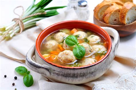 Receptes.lv - Zivju frikadeļu zupa