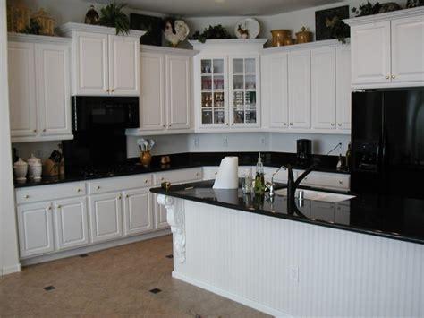 kitchens  black appliances  trending design
