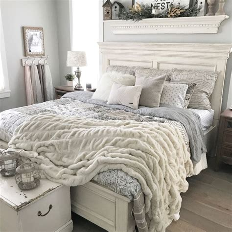 Bedroom Decorating Ideas Grey Paint by Oatmeal And Gray Farmhouse Bedroom With Repose Gray Paint