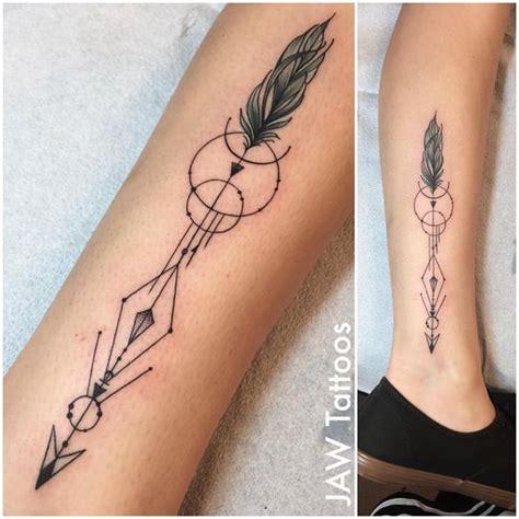 Tatuajes de Flechas Estilos Diseños y sus Significados