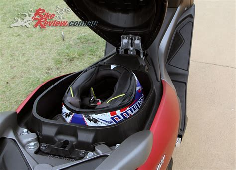 Nmax 2018 Accessories by Review 2018 Yamaha Nmax 155 Scooter Bike Review