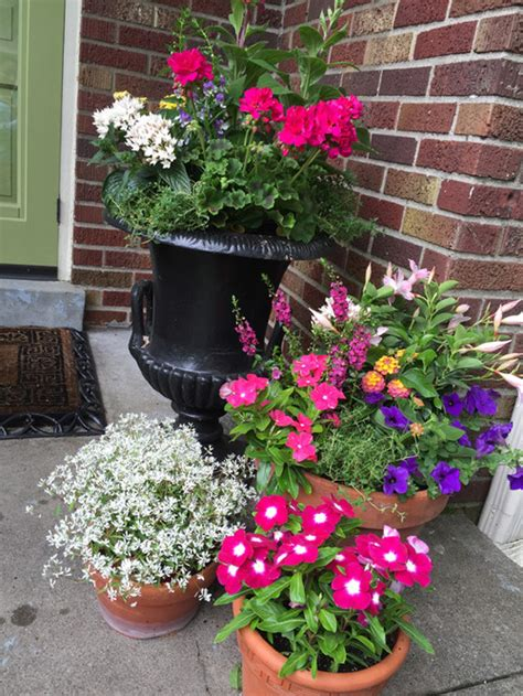 Accessorizing Your Front Porch With Container Gardens