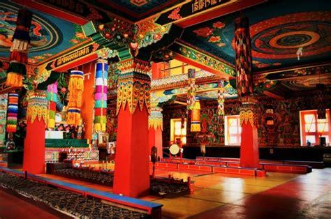 temple bouddhiste centre de sagesse  de paix