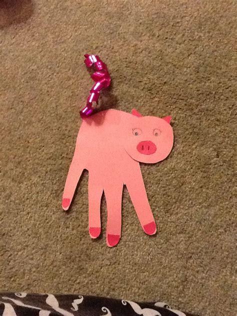 handprint pigs   eyfs great