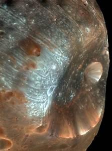HiRISE | Phobos Imaged by HiRISE (PSP_007769_9010)