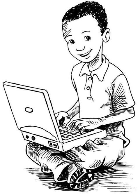 Coloriage garçon utilisant son ordinateur portable - img 7383