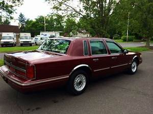 Purchase Used 1997 Lincoln Town Car Executive 50k Original