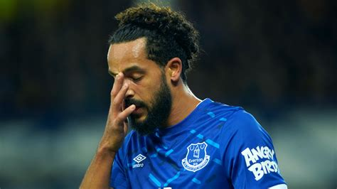 Theo Walcott could return for Everton against Manchester ...