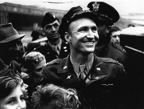Candy Bomber An Unlikely Friendship The German Girl And The Candy