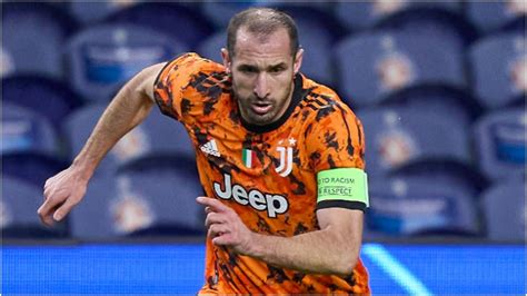 Juventus provide positive update over Chiellini injury