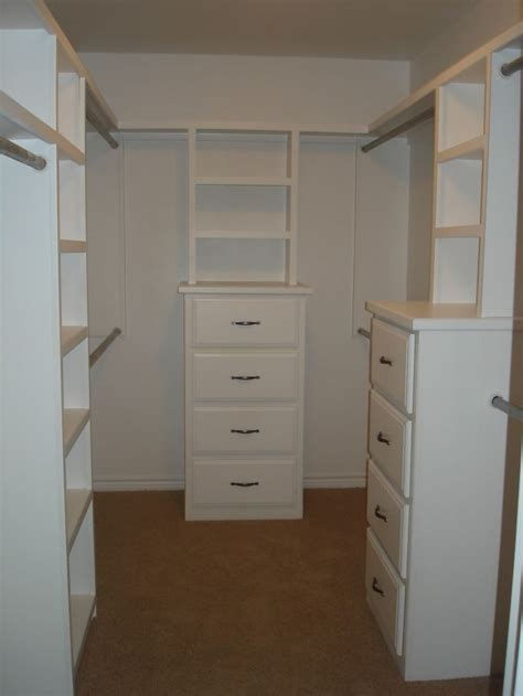 25 best ideas about small master closet on