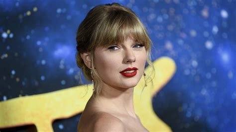 Man reportedly caught trespassing at Taylor Swift's ...