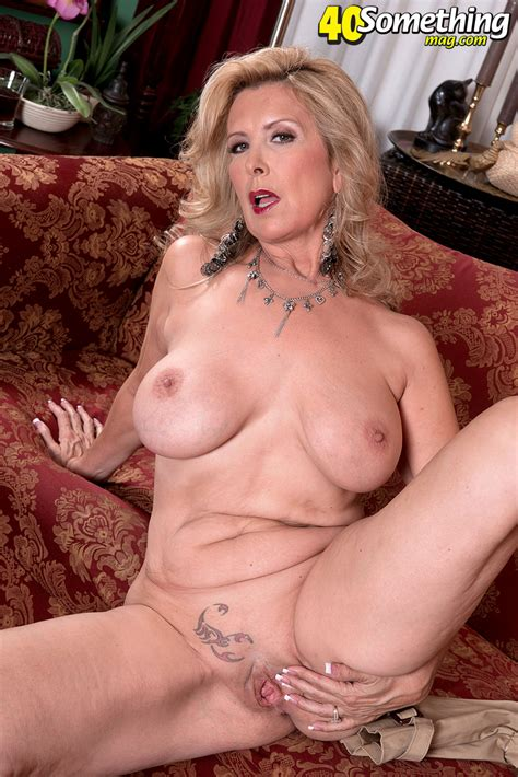 Archiveoffoldwomenblogspotcom Laura Layne Is A Phone