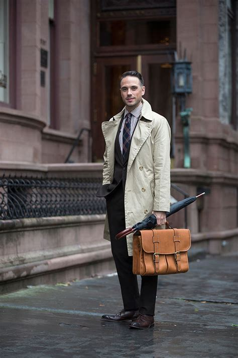 menswear classic  khaki trench coat  spoke style