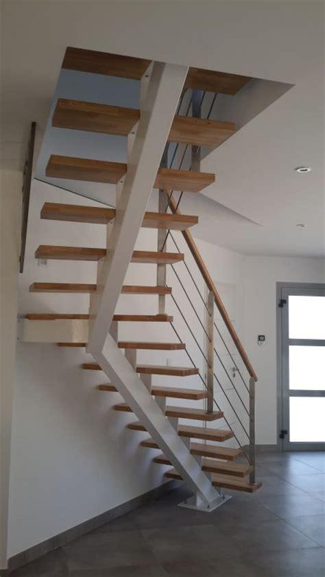 awesome escalier poutre centrale metal contemporary transformatorio us transformatorio us