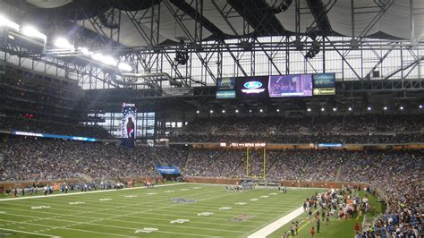 lions thanksgiving football  ford field