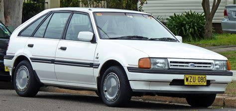 ford laser  informations articles