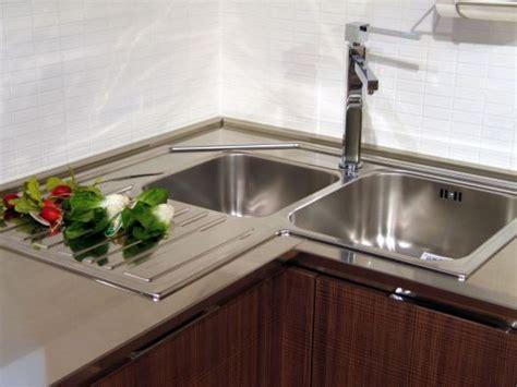 lavello ad angolo idee  design  la casa excelintelus