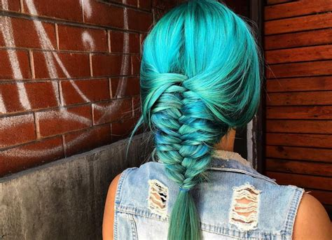 17 Photos Of Mermaid Hair That Will Make You Reach For The