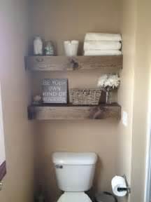 bathroom shelf decorating ideas 10 idées de rangements au dessus de la toilette