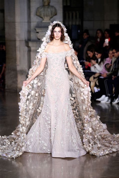 This is the most popular wedding dress style on Pinterest ...