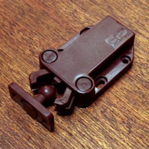 Cabinet Door Latches by Touchlatch Non Magnetic Cabinet Door Earthquake Latches
