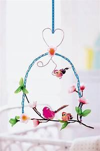 Mobile Pour Bébé : un mobile comme un perchoir pour oiseau marie claire ~ Teatrodelosmanantiales.com Idées de Décoration