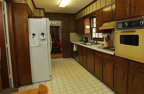 vinyl floor kitchen kitchens vinyl flooring in dubai across uae call 0566 00 3272