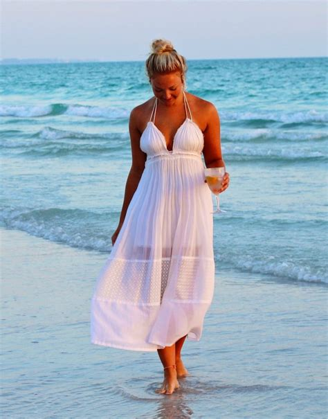 The Best Plus Size Beach Outfit Ideas - The Mom Shopping Network