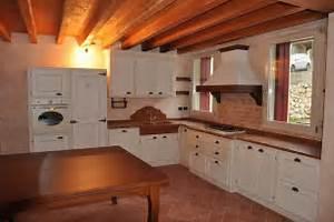 Beautiful Mobili Rustici Per Cucina Gallery - Home Interior Ideas ...