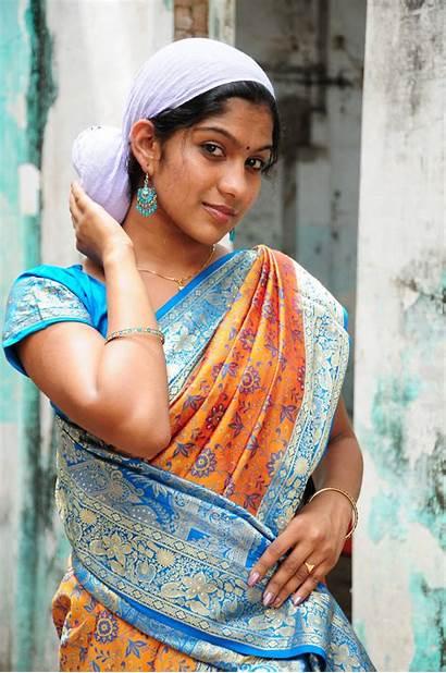Tamil Saree Stills Swasika Ranam Actress Similar