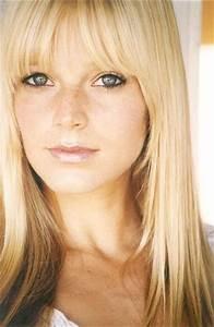 Pictures & Photos of Molly Stanton - IMDb