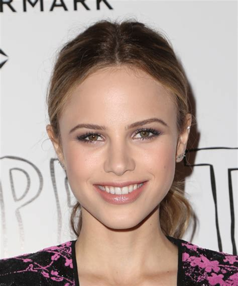 halston sage casual long straight updo hairstyle
