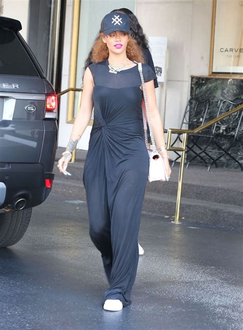 rihanna casual style shopping  beverly hills july