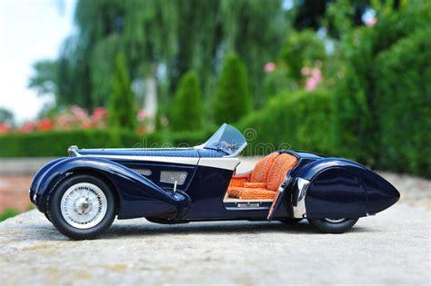 Последние твиты от bugatti (@bugatti). Bugatti 57 SC Corsica Roadster - Open Door Stock Photo - Image of corsica, class: 43028722