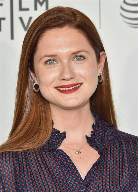 bonnie wright long straight cut hair lookbook stylebistro