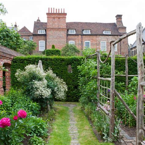 secret garden garden design housetohome co uk