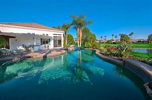 piscine de luxe pour une residence de prestige design feria With amenagement petit jardin avec piscine 6 piscine de luxe pour une residence de prestige design feria