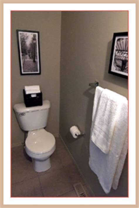 Set Your Stage » Blog Staging A Bathroom   Set Your Stage