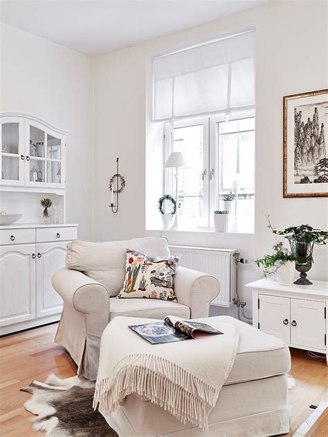 Awesome white decor