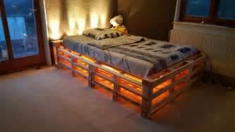 schlafzimmer romantisch europaletten bett kreative deko ideen und innenarchitektur