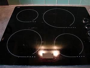 Nettoyer Une Plaque Vitrocéramique : nettoyer efficacement sa plaque de cuisson lectrique le ~ Melissatoandfro.com Idées de Décoration