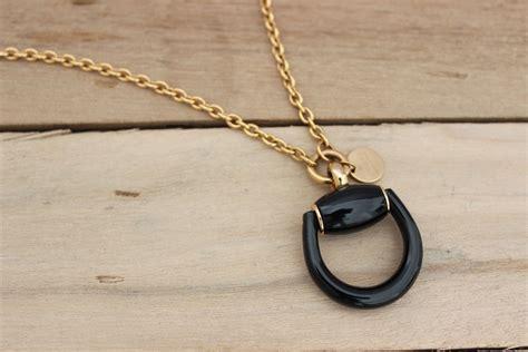 gucci kt gold black onyx horsebit necklace