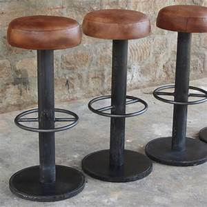 Tabouret De Bar Marron : tabouret de bar en acier naturel et cuir marron antique capital pinterest tabouret bar et ~ Melissatoandfro.com Idées de Décoration