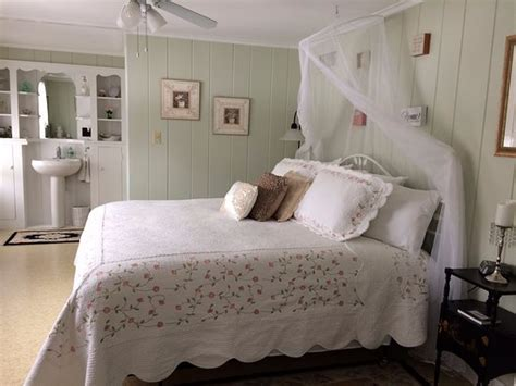 shabby chic bed and breakfast shabby chic room king bed picture of lantern inn bed breakfast laconia tripadvisor