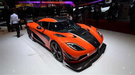 Bugatti owes its distinctive character to a family of artists and engineers, and has always strived to offer the extraordinary, the unrivaled, the best. MUSCLE CAR COLLECTION : Koenigsegg Agera RS, Silencing The Bugatti Chiron
