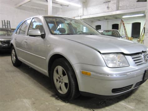 Parting Out 2004 Volkswagen Jetta